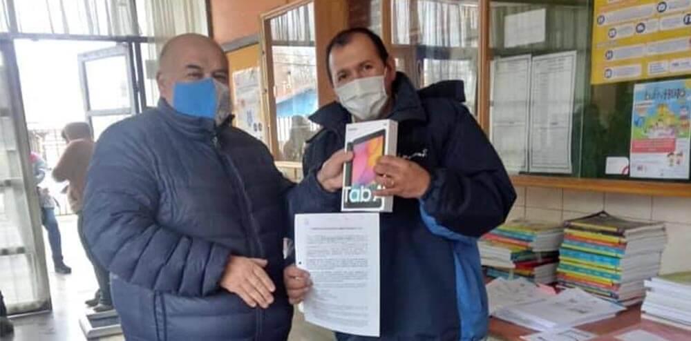 ESCUELA PRESBÍTERO JOSÉ AGUSTÍN GOMEZ DE GORBEA ENTREGA TABLET A ALUMNOS